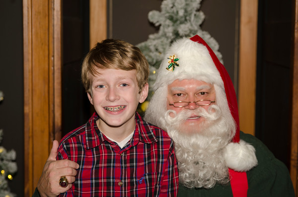 2016 Grove with Santa_148