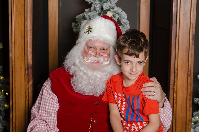 2016 Grove with Santa_25