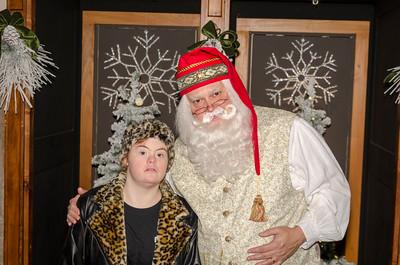 2016 Grove with Santa_69