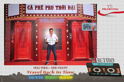 Dịch vụ in ảnh lấy liền & cho thuê photobooth tại sự kiện tiệc cuối năm Prudential, team FAM | Instant Print Photobooth Vietnam at Prudential FAM YEP