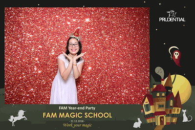 Chụp ảnh lấy liền và in hình lấy liền từ photobooth/photo booth tại sự kiện tiệc cuối năm YEP của bộ phận FAM công ty Prudential | Instant Print Photobooth/Photo Booth at Prudential FAM YEP 2018 | PRINTAPHY - PHOTO BOOTH HO CHI MINH | PHOTO BOOTH VIETNAM