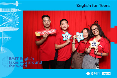 Dịch vụ in ảnh lấy liền & cho thuê photobooth tại sự kiện tốt nghiệp khóa học IELTS của trường quốc tế RMIT | Instant Print Photobooth Vietnam at RMIT IELTS Course Closing Ceremony