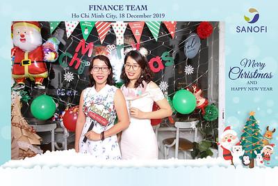 Dịch vụ in ảnh lấy liền & cho thuê photobooth tại sự kiện tiệc giáng sinh noel công ty Sanofi | Instant Print Photobooth Vietnam at Sanofi Christmas Party