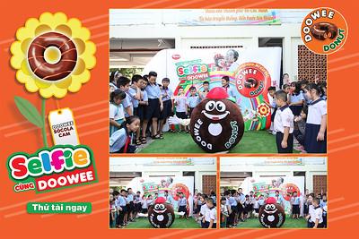 Dịch vụ in ảnh lấy liền & cho thuê photobooth tại sự kiện Chương trình Selfie cùng Doowee Donut   Instant Print Photobooth Vietnam at Selfie with Doowee Donut