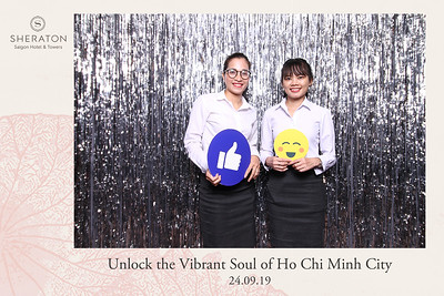 Chụp ảnh lấy liền và in hình lấy liền từ photobooth/photo booth tại sự kiện ra mắt của Khách sạn Sheraton | Instant Print Photobooth/Photo Booth at Relaunching Event of Sheraton Hotel| PRINTAPHY - PHOTO BOOTH VIETNAM