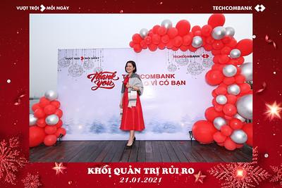 Dịch vụ in ảnh lấy liền & cho thuê photobooth tại sự kiện Tiệc tất niên Ngân hàng Techcombank | Instant Print Photobooth Vietnam at Techcombank Year End Party