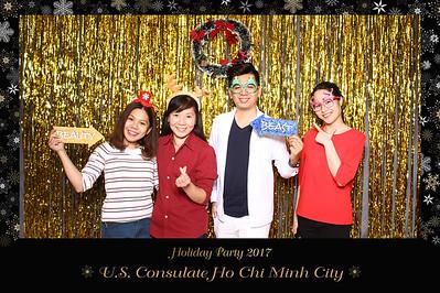 Chụp ảnh lấy liền và in hình lấy liền từ photobooth tại tiệc giáng sinh của đại sức quán Hoa Kỳ tại Việt Nam | Instant Print Photobooth at US Consulate Holiday Party | PRINTAPHY - PHOTO BOOTH VIETNAM