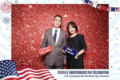 Dịch vụ in ảnh lấy liền & cho thuê photobooth tại ự kiện mừng quốc khánh Mỹ | Instant Print Photobooth Vietnam at US Independence Day