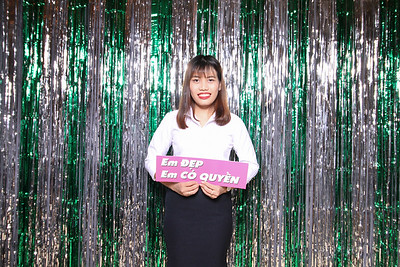 Chụp ảnh lấy liền và in hình lấy liền từ photobooth/photo booth tại sự kiện công ty Vạn An Phát | Instant Print Photobooth/Photo Booth at Van An Phat Party | PRINTAPHY - PHOTO BOOTH VIETNAM