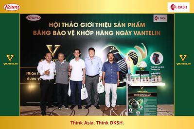 Dịch vụ in ảnh lấy liền & cho thuê photobooth tại hội thảo ra mắt sản phẩm Vantelin   Instant Print Photobooth Vietnam at Vantelin Conference Product Launch