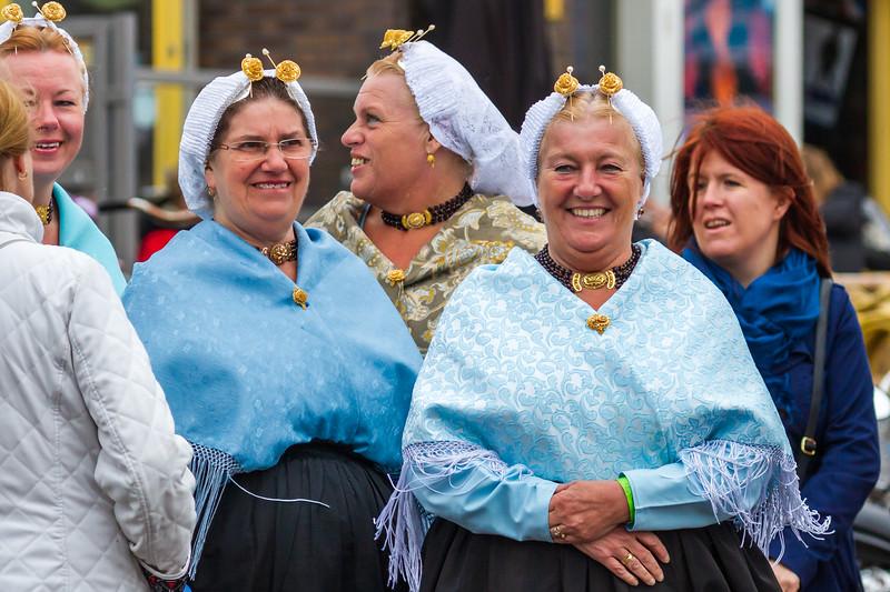 Traditional Scheveningen Dress - Vlaggetjesdag