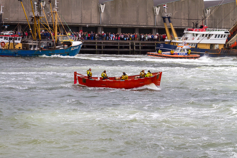 Rescue demonstration by lifeboat service.