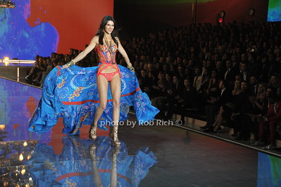 Kendall Jenner  photo by Rob Rich/SocietyAllure.com © 2015 robwayne1@aol.com 516-676-3939