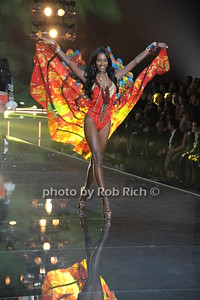Jasmine Tookes  photo by Rob Rich/SocietyAllure.com © 2015 robwayne1@aol.com 516-676-3939