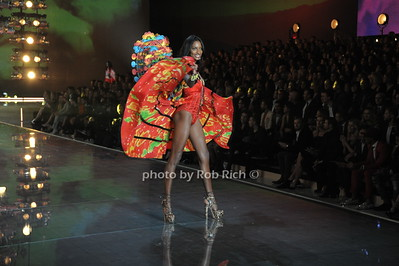 Jasmine Tookes  photo by Rob Rich/SocietyAllure.com © 2015 robwayne1@aol.com 516-676-3939