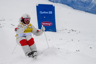 Mont-Tremblant, QC - January 25 -  Mikael Kingsbury trains at the Coupe Du Monde De Bosses Tremblant at Tremblant, Photo par Gary Yee