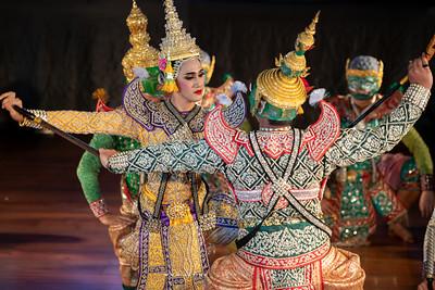 "The Fight of Lakshmana and Ravana, Khon performance ""Hanuman Presents the Ring"""