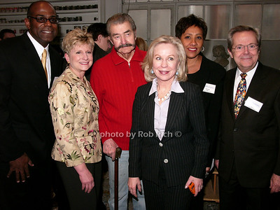 Board members of Arts Horizons with Leroy Neiman photo by Rob Rich © 2008 robwayne1@aol.com 516-676-3939