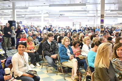 Crowd for Anderson Cooper Book Revue, Huntington 4-24-16. photo by Rob Rich/SocietyAllure.com © 2016 robwayne1@aol.com 516-676-3939