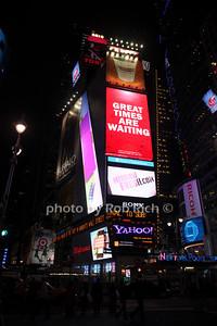 Times Square photo by Rob Rich © 2010 robwayne1@aol.com 516-676-3939