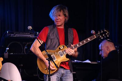 Jeff Golub photo by Rob Rich © 2010 robwayne1@aol.com 516-676-3939