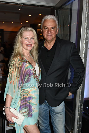 Cindy Guyer, John O'Hurley photo by Rob Rich/SocietyAllure.com ©2018 robrich101@gmail.com 516-676-3939