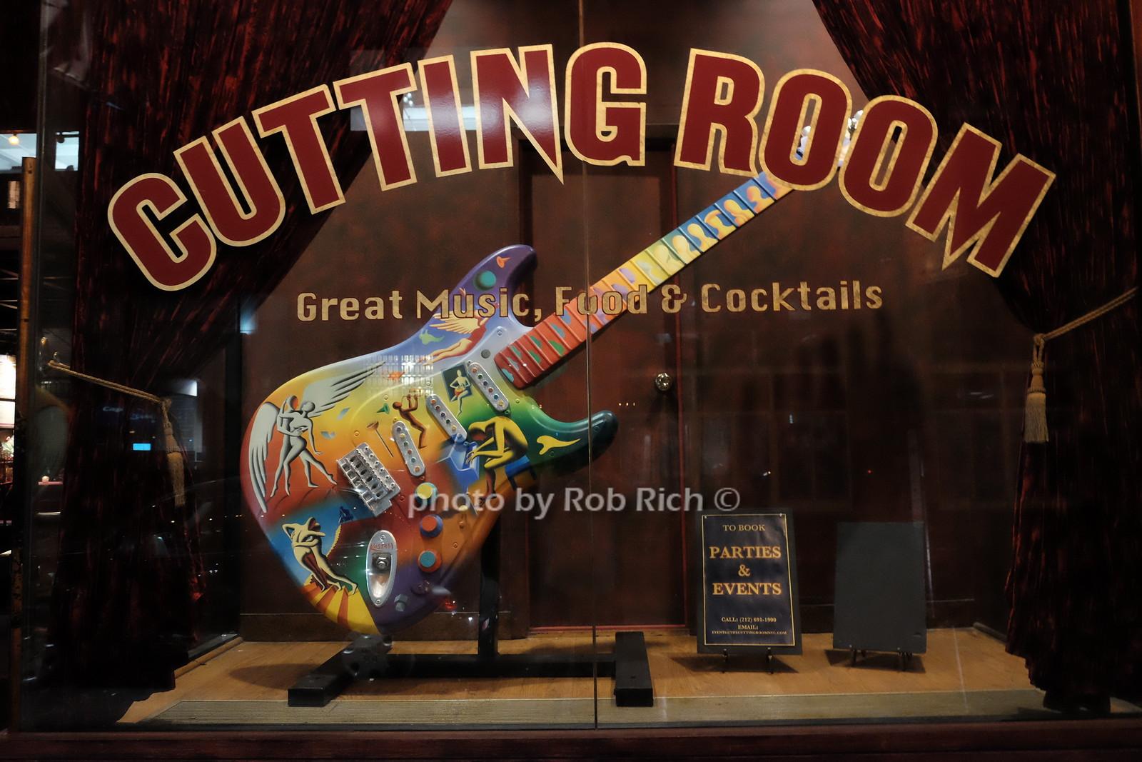 Cutting Room, Mark Kostabi artwork photo by Rob Rich/SocietyAllure.com ©2017 robrich101@gmail.com 516-676-3939