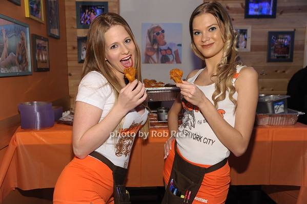 hooters-girls-party-photos-hannah-mckay-nude-pictures