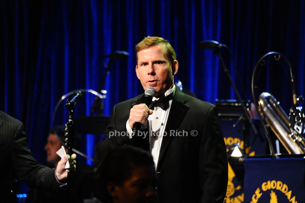 guest photo by Rob Rich/SocietyAllure.com © 2016 robwayne1@aol.com 516-676-3939