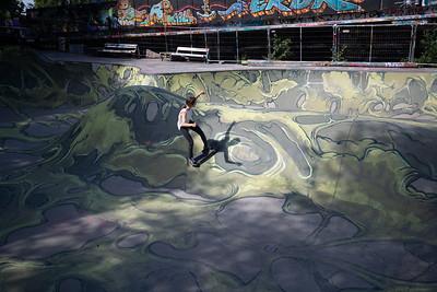 Kari Kim skating