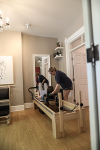 Kneeling Cat Pilates (26 of 320)