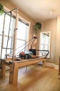 Kneeling Cat Pilates (37 of 320)