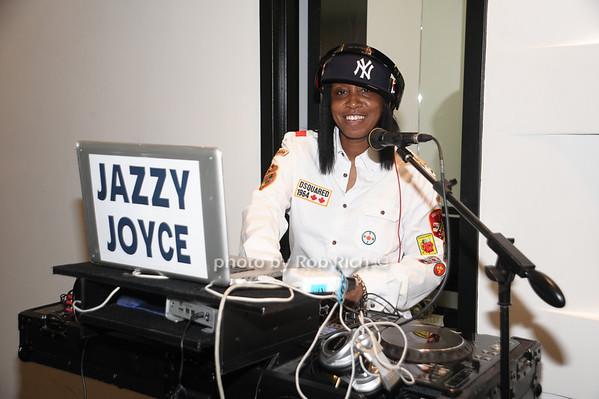 DJ Jazzy Joyce<br /> photo by Rob Rich © 2010 robwayne1@aol.com 516-676-3939