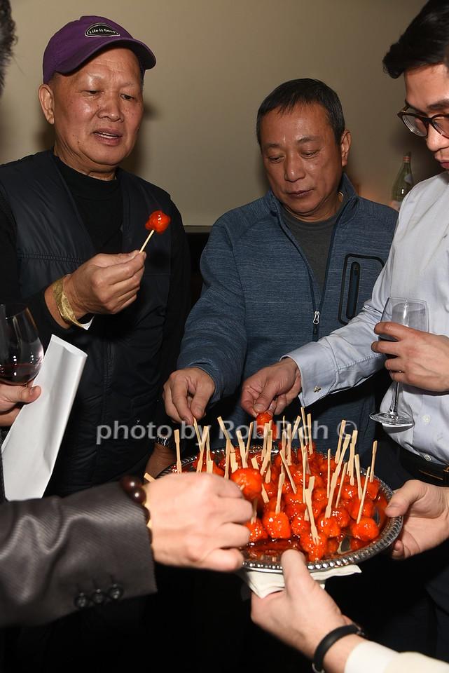 enjoying Philippe Chow cuisine photo by Rob Rich/SocietyAllure.com © 2016 robwayne1@aol.com 516-676-3939