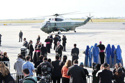 Helicopter carrying Pope Francis arrives at Kennedy Ariport  photo by Rob Rich/SocietyAllure.com © 2015 robwayne1@aol.com 516-676-3939