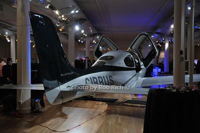 Cirrus photo by Rob Rich/SocietyAllure.com © 2014 robwayne1@aol.com 516-676-3939