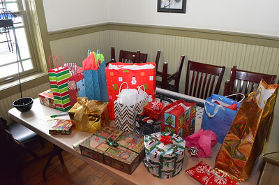 The gifts - ready for stealing.