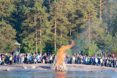 Pihlajasaari bonfire