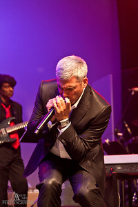 IMG_9272 Taylor Hicks preforming at the Life Changing Lives Event. September 11, 2011 AndyArt Photography