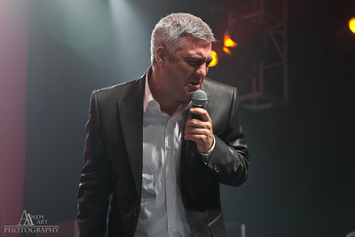 IMG_9314 Taylor Hicks preforming at the Life Changing Lives Event. September 11, 2011 AndyArt Photography