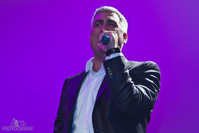 IMG_9814 Taylor Hicks preforming at the Life Changing Lives Event. September 11, 2011 AndyArt Photography