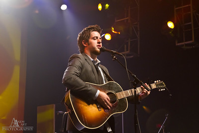 _MG_9684_ Lee Dewyze preforming at the Life Changing Lives Event. September 11, 2011 AndyArt Photography