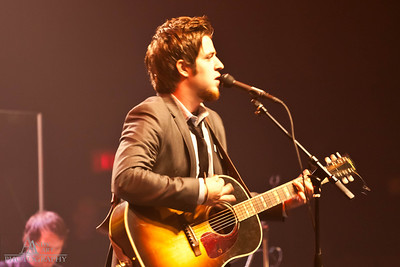 IMG_9216 Lee Dewyze preforming at the Life Changing Lives Event. September 11, 2011 AndyArt Photography