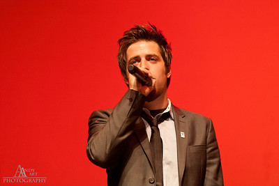 IMG_9257 Lee Dewyze preforming at the Life Changing Lives Event. September 11, 2011 AndyArt Photography