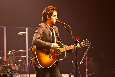IMG_9214 Lee Dewyze preforming at the Life Changing Lives Event. September 11, 2011 AndyArt Photography