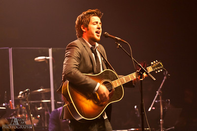 IMG_9213 Lee Dewyze preforming at the Life Changing Lives Event. September 11, 2011 AndyArt Photography