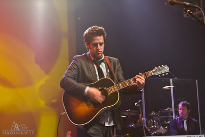 _MG_9683_ Lee Dewyze preforming at the Life Changing Lives Event. September 11, 2011 AndyArt Photography