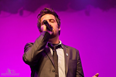 IMG_9261 Lee Dewyze preforming at the Life Changing Lives Event. September 11, 2011 AndyArt Photography