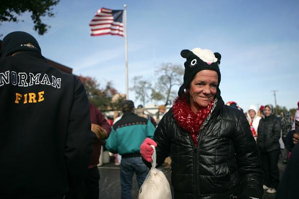 Bernstein Law Offices give turkeys