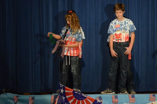 "Cleveland Elementary students perform ""July at Christmas"""